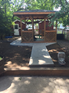 Entire house for rent located near Broadway area (pet friendly)