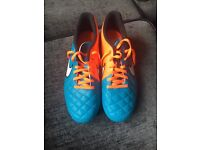 Football boots size 6 brand new