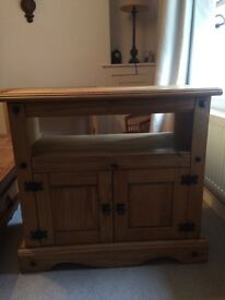 💥Reduced for quick sale💥 Mexican Pine Tv Unit & Console Table