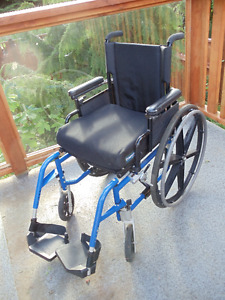 Quickie Breezy 600 Wheelchair (blue)