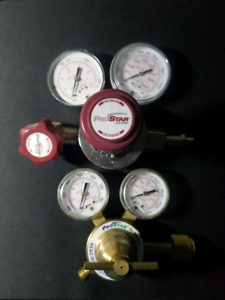 Industrial regulator valves