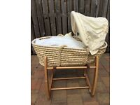 Mamas and papas zeddy and parsnip Moses basket