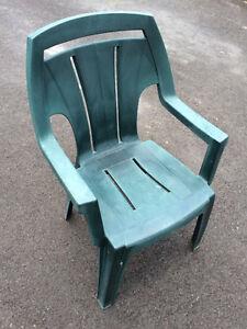 6 chaises de parterre plastique dur