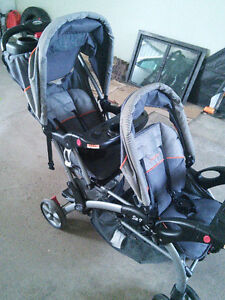 Baby trend sit n stand double stroller in very good condition