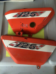 1971 Suzuki TS125 Duster Side Covers