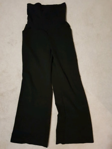 EUC Maternity dress pants