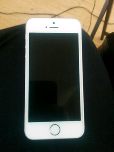 Iphone se for sale 32g