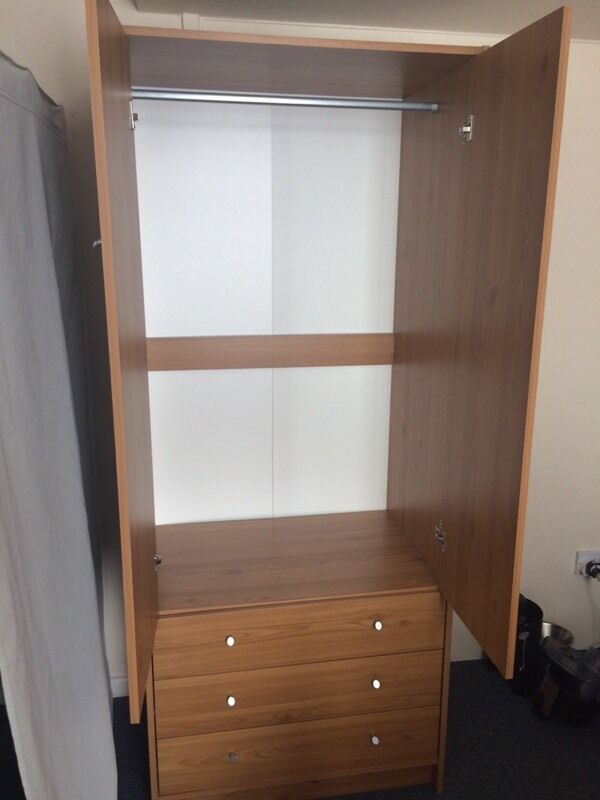 New malibu wardrobe door drawers months old as