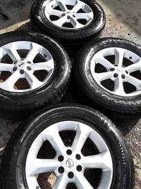 """17"""" Nissan Navara Pathfinder alloy wheels in excellent condition (403)"""