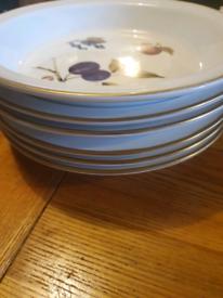 6 Royal Worcester deep plates £10