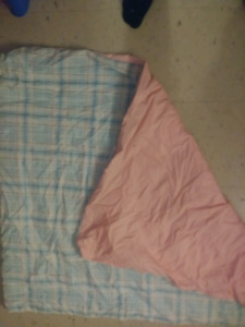 2weighted blankets  7lb and othe ris 6 lbs