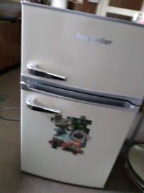 Montpellier mini fridge freezer