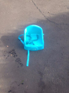 Blue Booster Feeding chair - $10 , can meet/deliver