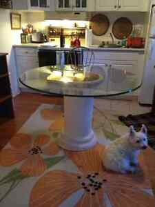 Round glass table with pedestal Peterborough Peterborough Area image 2