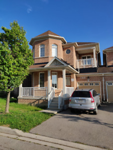 Spacious 4 bedroom/3 bath house for rent in Markham