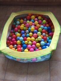 Children's ball pit and balls