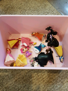 Princess shoe box plus small toys