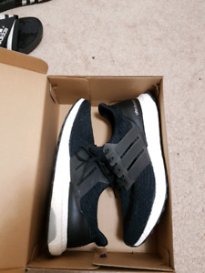 Ultra Boost core black Size 10