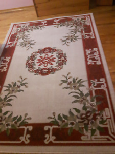Like New - Carpet. Great for entrance or Cottage (5X8)