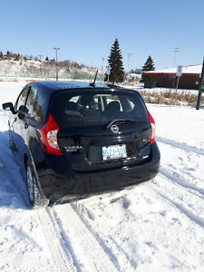2015 Nissan Versa Note SV Hatchback Great Condition - Low Kms