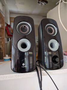 SPEAKERS WITH SUBWOOFER Logitech Z323 2.1