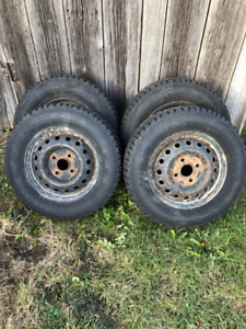 Firestone 195-70R14 snow tires