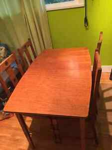Handmade oak extendable Dining Table and 4 chairs