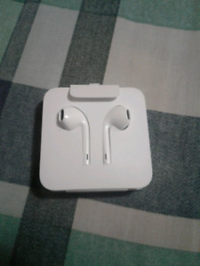 Apple earbuds for iphone 7/8