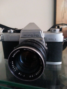 Minolta SR -1 SLR 35mm Film Camera with 55 mm Lens f / 1. 8 Auto
