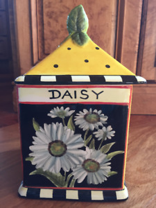 Daisy COOKIE JAR / CANISTER