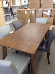 DINING TABLE - NEW