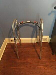 solid collapsible walker support