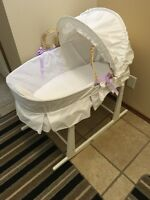 Moses bassinet & stand
