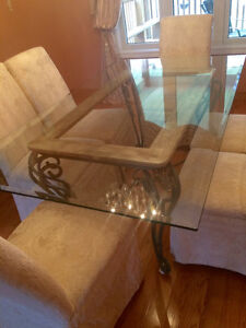 New dining table and chairs for SALE