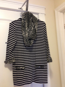 Ladies black & white tunic with matching scarf