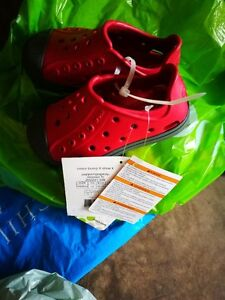 Brand New Crocs Kids Shoe - Size: C9