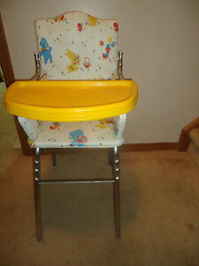 VINTAGE 1980s HIGH CHAIR