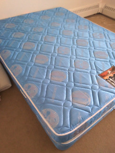 Mattress and spring box queen size