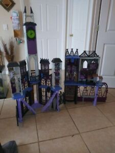 Monster high castle And 50 +   Dolls and furniture