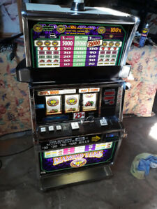SLOT MACHINE WORKS WITH TOKENS DOUBLE TEN IGT