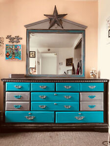 Do you love teal? This piece is for YOU! 7 drawer desser and mir