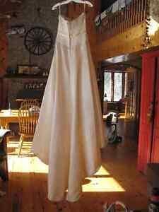 New Wedding Dress For Sale – Never been used Belleville Belleville Area image 3