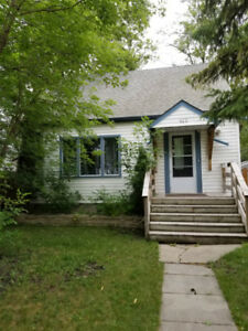 3 bedroom Home in Archwood
