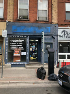 Store For Rent - Downtown