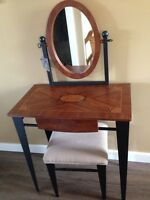 Small vanity desk with matching chair $100