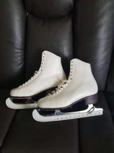 Skates with guards - size 6 - woman's size