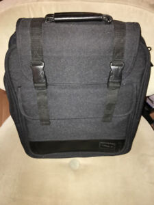 """Black Targus Laptop Backpack for 14"""" laptop almost new condition"""