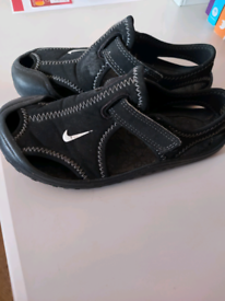 Nike summer Sunrays black infant 9
