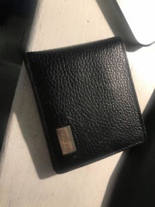 Mens Gucci Wallet with ID slot