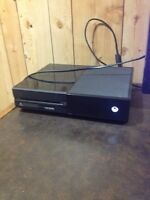 Selling my Xbox one with 2 controllers and games